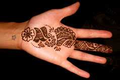 Hennaed wedding hands in India